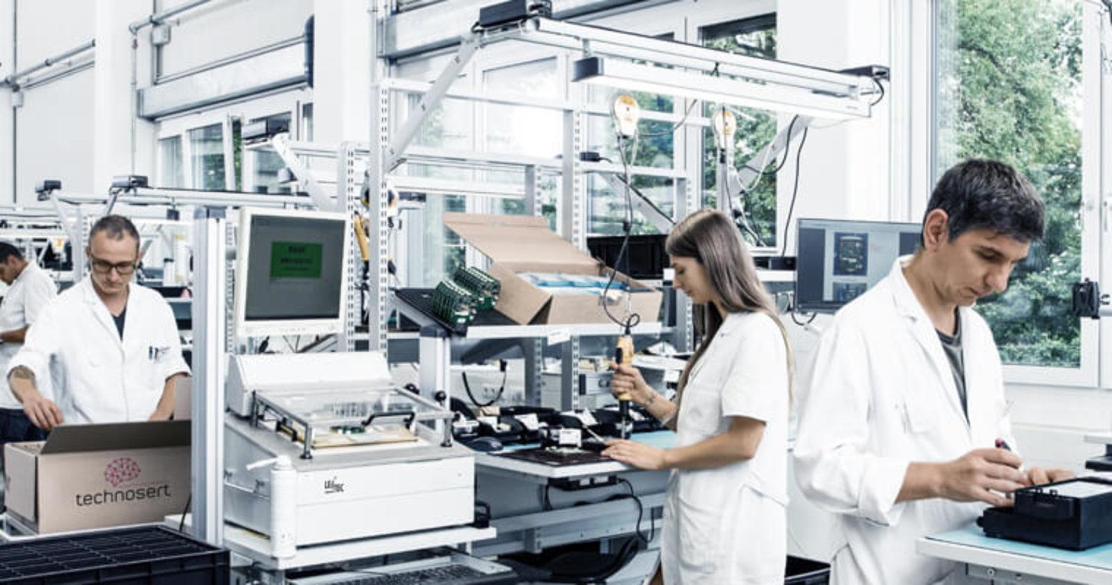 Technosert bietet EMS-Serienfertigung inklusive Assemblierung zu kompletten Geräten